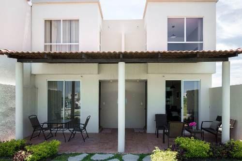 Bonita Casa Con Alberca Y Terraza A Un Super Precio