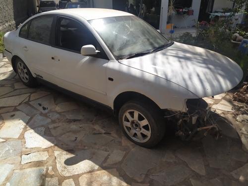 Volkswagen Passat 1999 1.8 4p