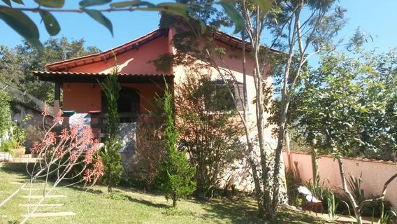 Casa No Circuíto Das Águas , Cidade De Caxambu , Com 03 Quartos , Vista Para A Mata, Próximo Ao Centro. - 279
