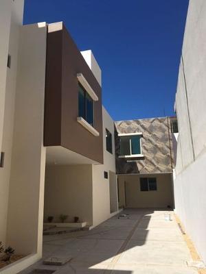 Casa A La Venta En Zona Centro De Coatzacoalcos