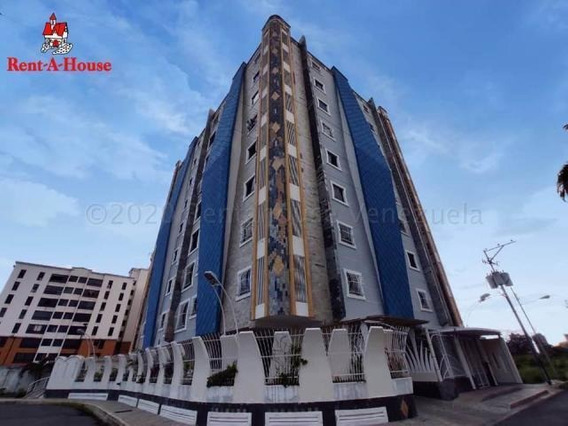 Apartamento En Venta Urb Los Chaguaramos/ 20-301 Wjo
