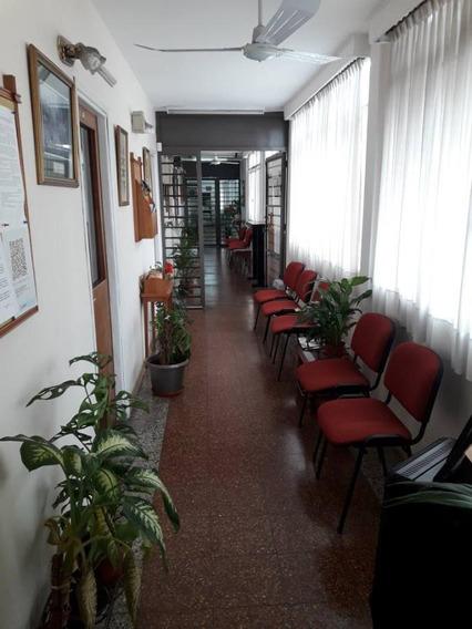 Oficinas En Avenida Roca