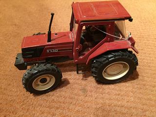 Trator Agrícola F130 Miniatura