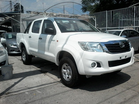 Toyota Hilux 2.7 Chasis Cabina Mt 2015 Impecable