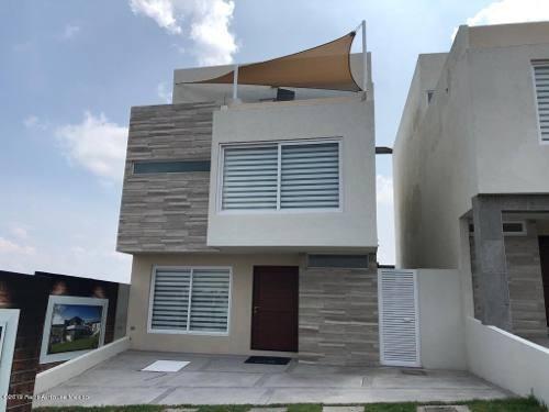 Casa En Venta En Zibata, El Marques, Rah-mx-20-691