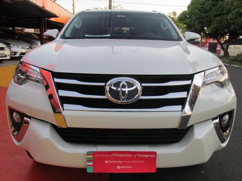 Toyota - Hilux Sw4 Srx 2.8 4x4 Automatica - 7 Lugares - 2016
