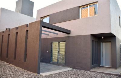Venta Duplex Barrio Cuesta Colorada.