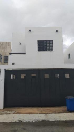Hermosa Casa En Renta En Cancún En Isla Azul C2656
