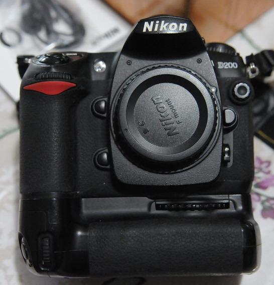 Nikon D200 Con Grip Mb200 Obturador Nuevo