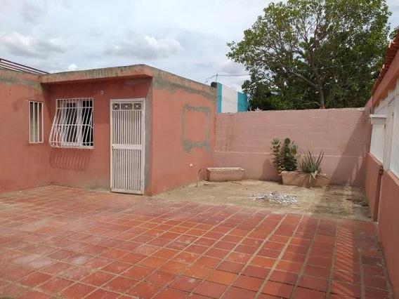 04126887776 # 20-4231 Casa En Venta Coro Cruz Verde
