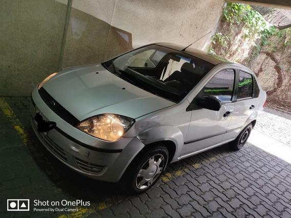 Ford Fiesta Max Ambiente 1.6 A/acond Direccion Hidr. 2006