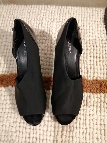 Zapato Negro De Mujer Calvin Klein 25.5 Seminuevo
