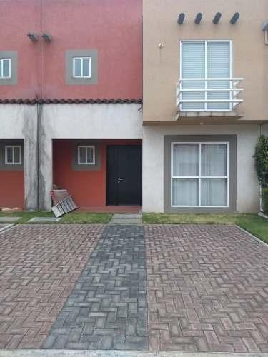 Casa En Renta Dentro De Fraccionamiento Villa Toscana En Toluca
