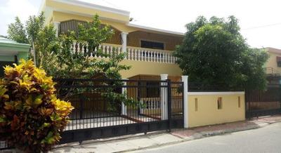Casa En Venta De Dos Niveles En Residencial Belleza Altos