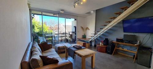 Imagen 1 de 14 de Vendo Impecable Loft En Edificio De Diseño Con Piscina