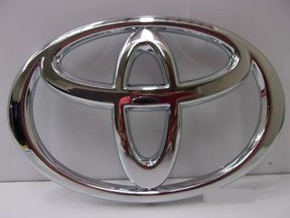 Emblema Logo Parrilla Toyota Hilux 2012-2015 Original