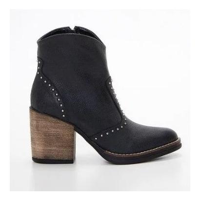 Calzado Bota Texana Tachas Cuero Rizat. Moda