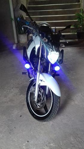 Imagem 1 de 6 de Yamaha Fazer 250