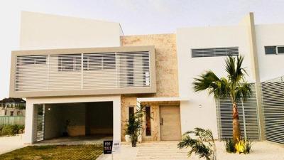 Villa De Lujo 4 Dormitorios 2 Niveles, Punta Cana