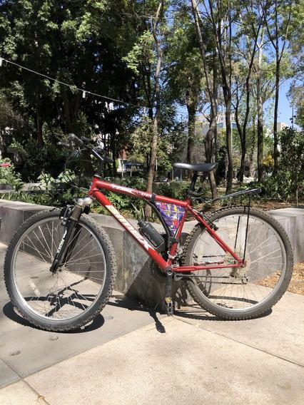 2 tama/ños sylbx Hebilla Estacionamiento para Bicicletas 2 Piezas Clip Estacionamiento de Bicicletas Soporte Exhibici/ón Monta/ña Pared Hebilla Bicicleta para MTB Bicicleta//Bicicleta de Carretera