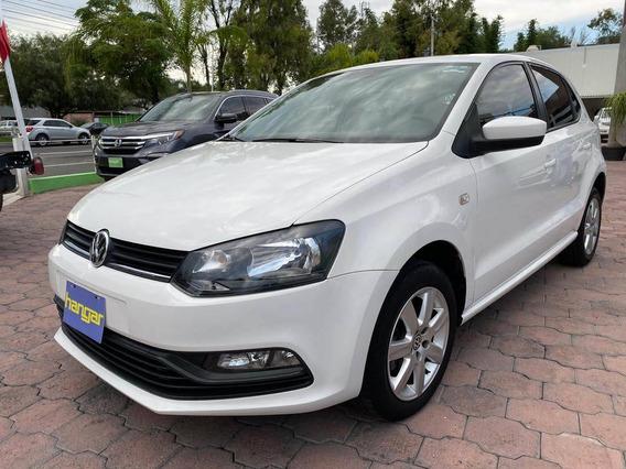 Volkswagen Polo Manual 1.6 L Blanco 2015, Hangar Galerias
