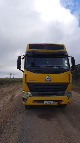 Tractor Howo Zz4187n3517n1b