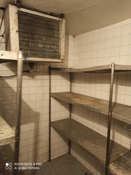 Restaurant En Alquiler En Parque Central - Rojas 04143322783