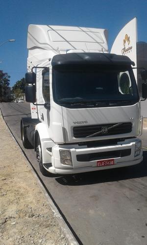 Imagem 1 de 12 de Volvo Vm 310 4x2t 2011