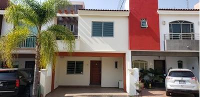 Casa En Venta En Villas De Torremolinos