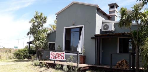 Casa Con 3 Dormitorios Con Piscina Y Gran Fondo