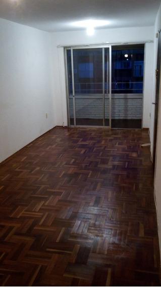 Apartamento 1 Dormitorio Al Frente Y Cochera Fija