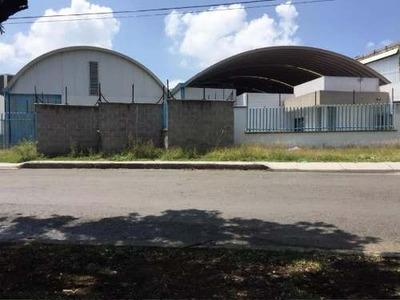 Bodega Comercial En Venta Parque Industrial Bernardo Quintana