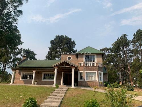 Muy Linda Casa En La Arbolada -ref:2909