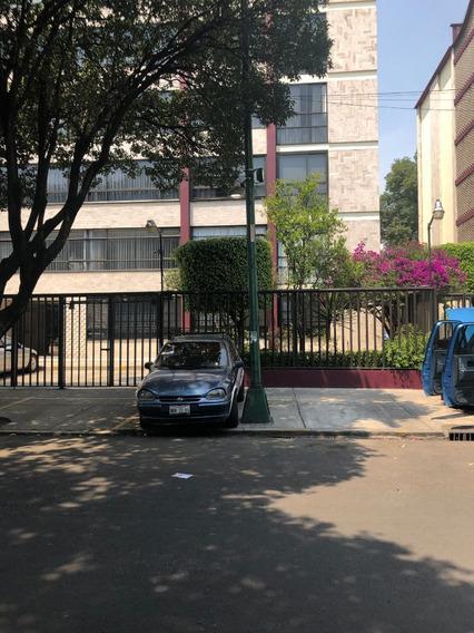 Departamento En Adolfo Prieto Calle Cerrada
