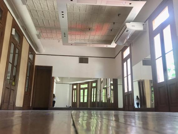 Salon De Baile / Espacio Para Showrooms