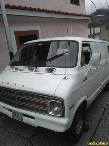 Dodge Ram Van 1976