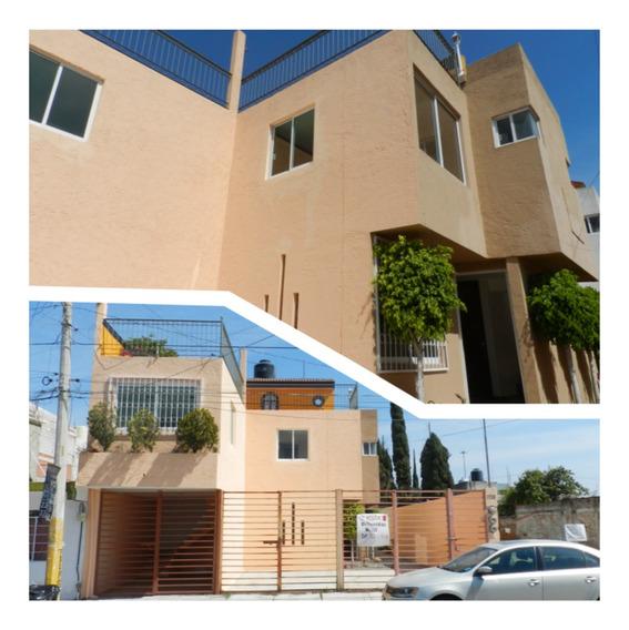 Casa En Lomas De Castillotla
