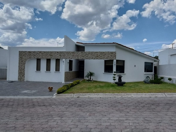 Casa De 1 Nivel En Privada En Villas Del Mesón Juriquilla