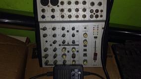 Mesa De Som Usada Com Defeito Nos Canais De Microfone.