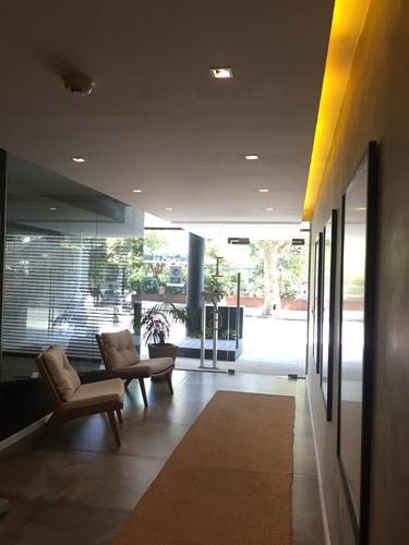 Estrene!! Excelente Edificio Frente A Plaza Del Entrevero!!