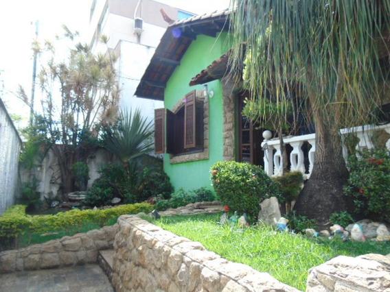 Linda Casa Bairro Serrano Em Belo Horizonte . - 6766