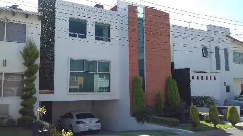 En Renta Casa De 3 Recámaras Con Baño Y Vestidor, Cerca Del Colegio Nuevo Continente En Fraccionamiento En Metepec