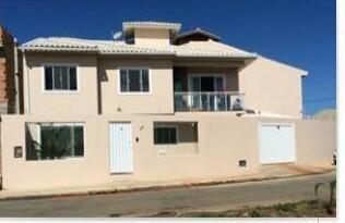 Bela Casa Duplex Com 02 Quartos Sendo (01 Suíte) No Vale Das Palmeiras. - Ca0088
