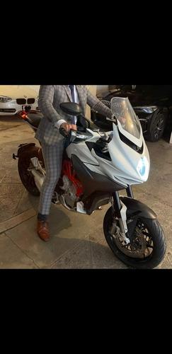 Imagen 1 de 10 de Ducati  Hyperstrada