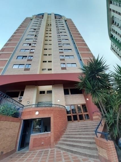 42 M2. Venta De Acogedor Apartamento Tipo Estudio Baja. Wc