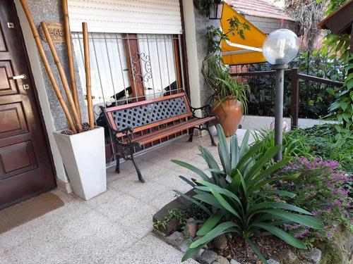 Venta O Permuta .casa 5 Ambientes Con Garage Doble Y Jardín. Parque Luro