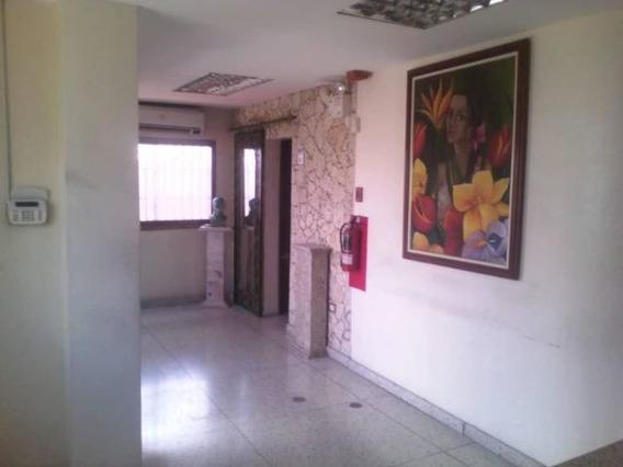 Casa En Alquiler Centro Barquisimeto 20-2227 Mf