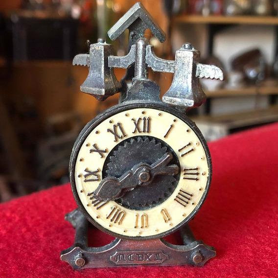 Antiguo Sacapunta Coleccionable Motivó De Reloj