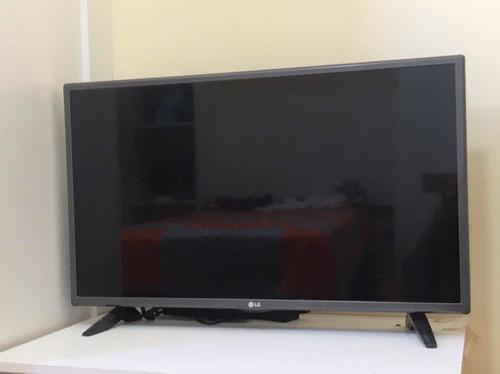 Imagem 1 de 3 de Smart Tv Da LG De 32 Polegadas. Usada Mas Em Perfeito Estado