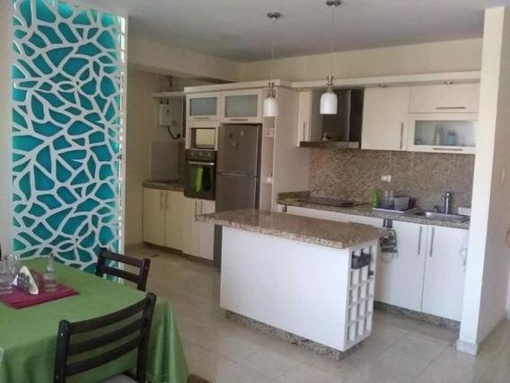Apartamento En Venta Centro Cabudare 20-11056 Jcg